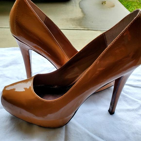 Steve Madden Camel Patented Leather High Heels